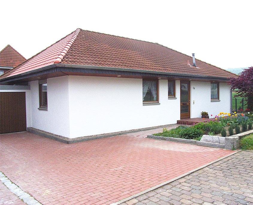 Nach Sturmschäden frisch saniertes Haus