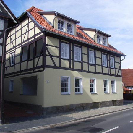 Renovierte Fassade – Altenhofstraße 21