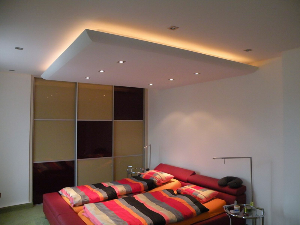 Trockenbau Schlafzimmer mit Karo-Wand